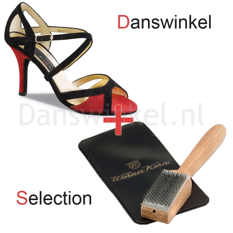 Nueva Epoca Paulina Danswinkel Selection