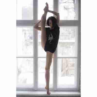 LikeG Slim Fit T-Shirt met Korte Mouwen en Afbeelding Ritmische Gymnastiek