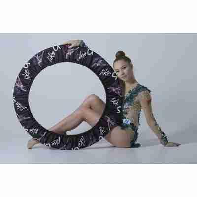 LikeG Hoepel Hoes met Afbeelding Ritmische Gymnast en LikeG Logo