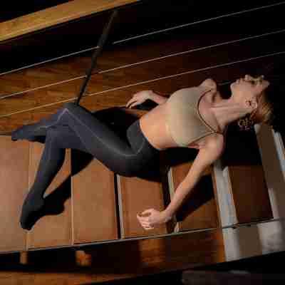 Dansez-Vous zwarte balletmaillot met voet voor dans