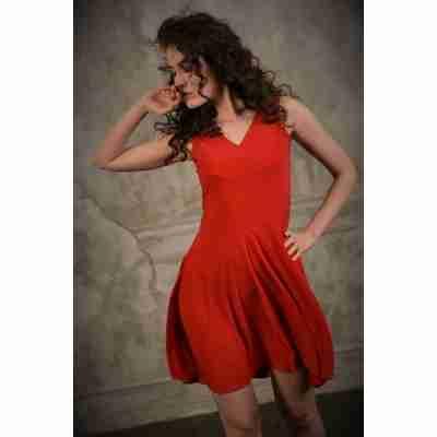 StudioMoscow Rode dansjurk met brede schouderbandjes