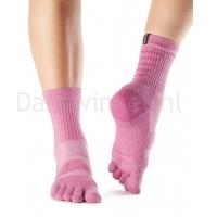 ToeSox Mediumweight Sport Sock Crew roze voorkant