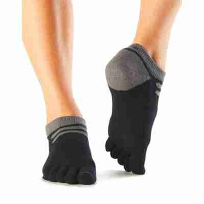 ToeSox Mediumweight Sport Socks No Show zwart voorkant